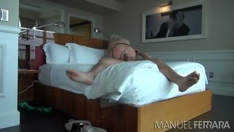 Blonde hoe in stockings Klaudia Kelly poked hard by Manuel Ferrara