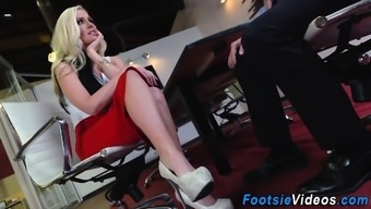 Analized hos toes spunked