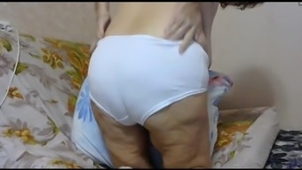 granny steph flashing asshole and panties (cam)