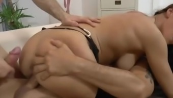 Martina Gold in stockings gets double penetrated