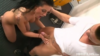 Ardent bosomy Texas Patti desires to give a really awesome blowjob