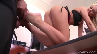 seductive secretary vanda lust fucks her foot fetishist boss