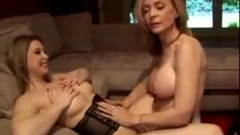 Nina Hartley Shows Us How To Eat Pussy
