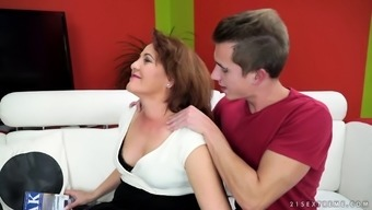 MILF lets the hot college guy bang her like there's no tomorrow