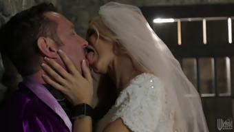 Juicy Jessica Drake Goes Hardcore In Her Wedding Night