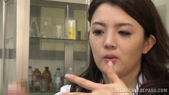 Arousing Japanese doctor quickly falls in love with the erected penis