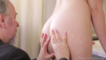 Wanton 86 years old man licks pussy of his bonny brunette girlie greedily