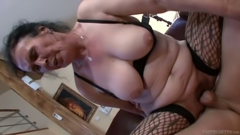 Marianna is a nasty old lady who knows how to give a perfect blowjob