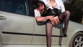Mature MILF Brandi Love outdoor blowjob and hot fucking