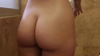 Lucy Tyler ends with loads of creampie