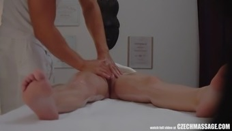 busty bitch seduced her masseur to hard sex