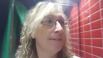 Lisa's Toilet Upskirt clip