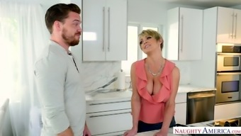 Hot mommy with fake boobs Dee Williams fucks best friend of her son