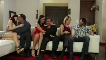 Floozy Amber Ivy arranges dirty group sex party at home