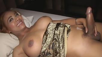 Hung Ladyboy Jasmine Bareback Action