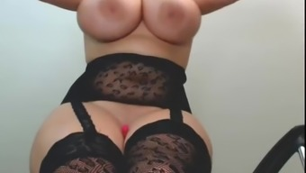 EXCITED CURVY CAMWHORE SQUIRTS