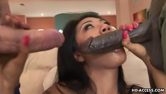 Scream as Lyla double penetrated with big cocks in mmf
