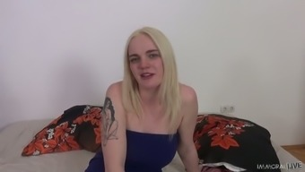 Bosomy blond head Carly Rae Summers teases clit with vibe during hot mish