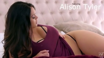 Full natural bosomy brunet milf Alison Tyler gives a titjob and gets laid