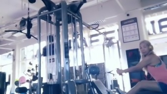 SPANISH MATURE FIT BLONDE AT GYM