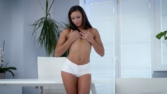 Palatable eye catching svelte beauty Ria Sunn loves nothing but good fingering