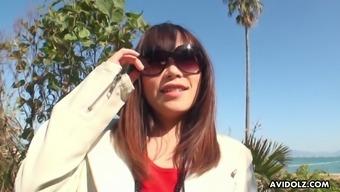 Asian minx Minami Kobayashi enjoying some nice vibrations in her pussy