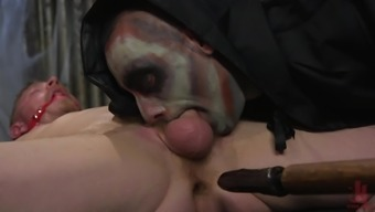 Horny gay Cody Winter makes his gay friend cum with a handjob