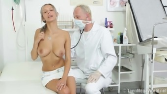 Doctor throbbing natural tits babe pussy hardcore in reality seen