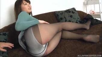white vibrator can please the sexual desires of Narutsuki Ran