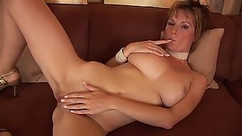 Pretty Miriam masturbates - CzechSuperStars