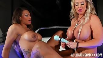 Lesbian pornstars Alura Jenson and Halle Hayes have kinky sex