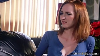 Slutty wife Dee Dee Lynn spreads her legs to be fucked on the bed
