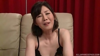 Solo Asian chick Takeuchi Rie loves riding her large dildo