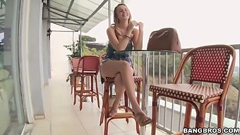 Dude with a large dick gets incredible blowjob from sexy Alexis Adams
