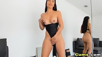 Brunette Masturbate Pussy Vibrator And Orgasm